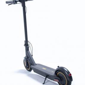 ninebot-kickscooter-max-g30-powered-by-segway.jpg